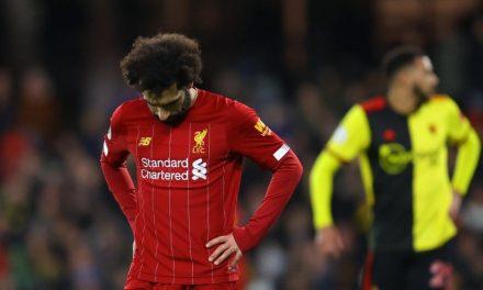 Liverpool perdió después de 44 partidos de invicto en la Premier League