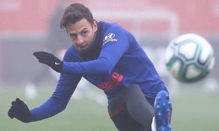 Santiago Arias, ni de suplente en el Atlético de Madrid vs. Liverpool